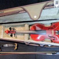 愛知県よりSUZUKIヴァイオリンの楽器。弦楽器の楽譜、教則本を買取りしました
