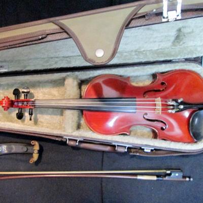 愛知県よりSUZUKIヴァイオリンなどの楽器。楽譜、教則本を買取りしました